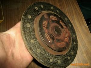 Старый диск сцепления Ваз 2109 отполирован до блеска
