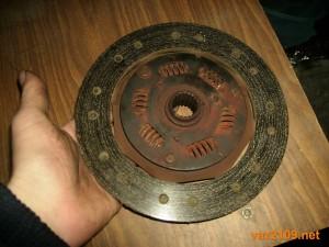 Старый диск сцепления Ваз 2109, стерлись фрикционные накладки