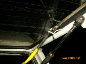 Меряем напряжение обогрева заднего стекла Ваз 2109