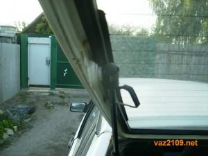 Крепеж амортизаторов крышки багажника Ваз 2109