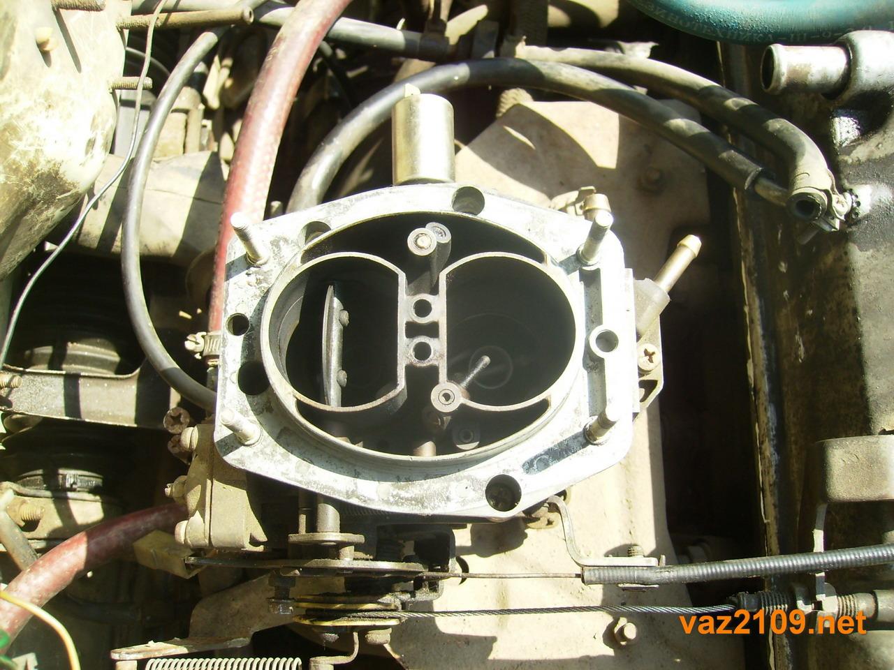 uroven topliva v karbyuratore vaz 1 - Уровень поплавковой камеры ваз 2109